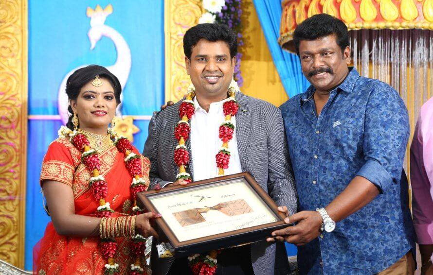 Director Nalan Kumarasamy Wedding Stills with parthiban