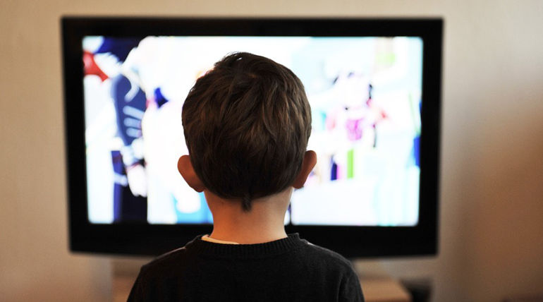Lack Of Health Fitness Identified In People Watching TV And Computer Screens