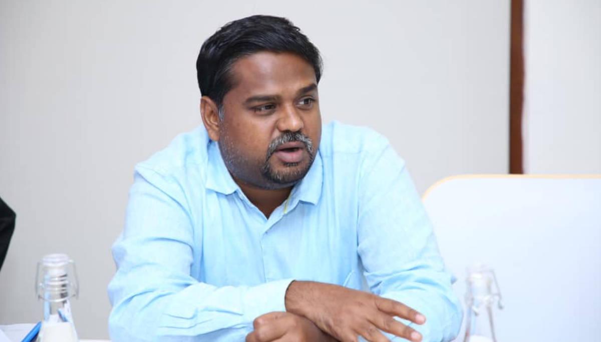 DMK MP Senthil Kumar Questions Rajinikanth