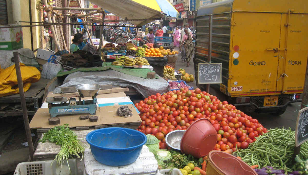 Supermarket and Vegetable Market will continue to be available in Tamil Nadu